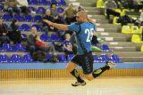 Alexandru Sabau (CS Minaur) arunca la poarta in timpul partidei de handbal masculin dintre CS Minaur si ACS Avram Iancu Arad in cadrul etapei cu numarul noua din Divizia A, seria B. PAUL URSACHI / UPFOTO